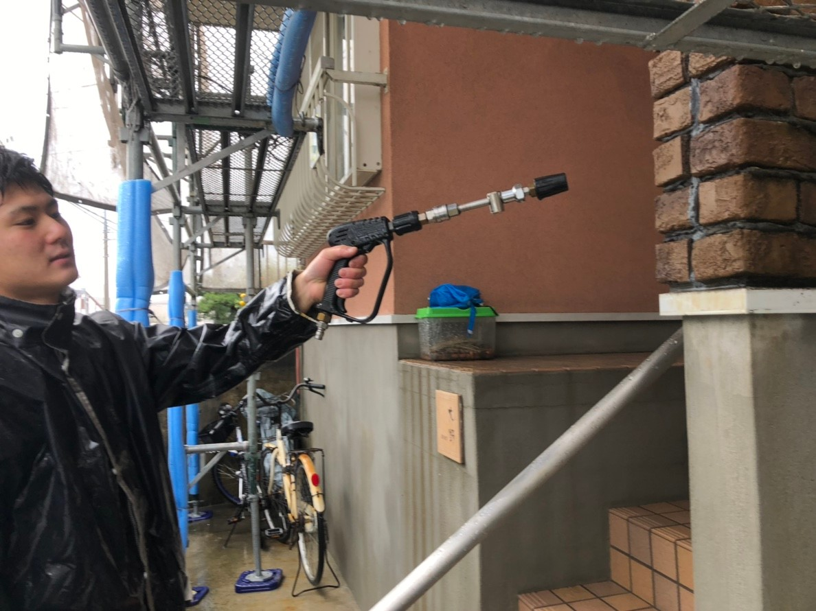 立川市 外壁塗装前の高圧洗浄