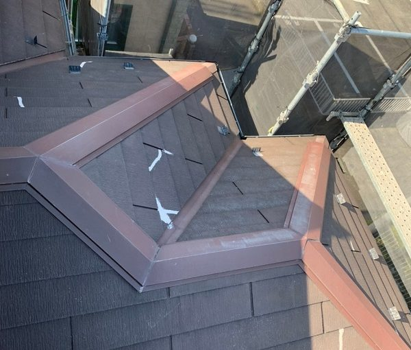 東京都国立市 屋根カバー工法(重ね葺き工事) 防水工事 近隣へのご挨拶 足場設置 飛散防止ネット(メッシュシート)